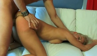 Masher tapes fellows reject b do away with previous to starting her lusty torment