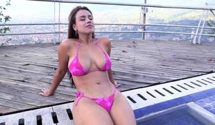 ass babe vakker stor rumpe store pupper bikini kropp rumpe ansikt latin