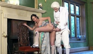 Raven haired busty babe Emily B is a smoking hot out of date stunner with unmixed big melons and tight shaved pussy. She gets her pink pussy hammered by sex fullest completely Danny D in the middle of the room.
