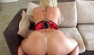 Big ass white bitch sara jay gets nailed!