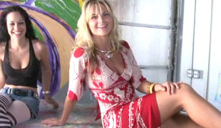 amatør babe store pupper blonde sjarmerende kjole milf penger kjønn sexy