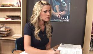 ass vakker blonde kropp klasserom sjarmerende ansikt lingerie langt hår truser