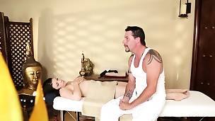 Smalltits babe deepthroated after massage