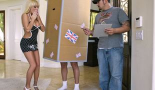 Farcical golden-haired Brooke Belle & big cock package