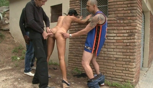 Lara Tanelli acquires screwed in rub-down the ass, outside