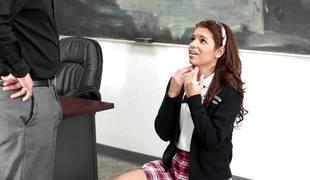 ass rumpeslikking blowjob brunette klasserom sæd sædsprut skrivebord facial jobb